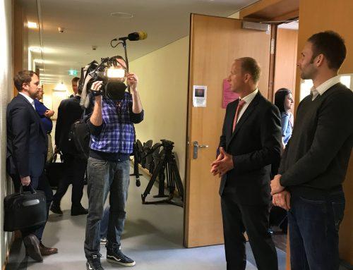 Mistrade-Fall: Großer Medienandrang zur mündlichen Verhandlung am LG Frankfurt
